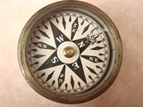 Victorian brass cased pocket compass