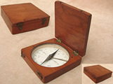 Early 20th century Oak cased pocket compass