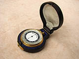 Early 20th century pocket barometer & altimeter with case