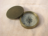 19th century Georgian brass cased compass with lid