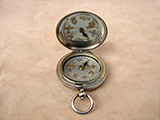 WW1 Dennison  MK VI British Army Officers pocket compass dated 1917