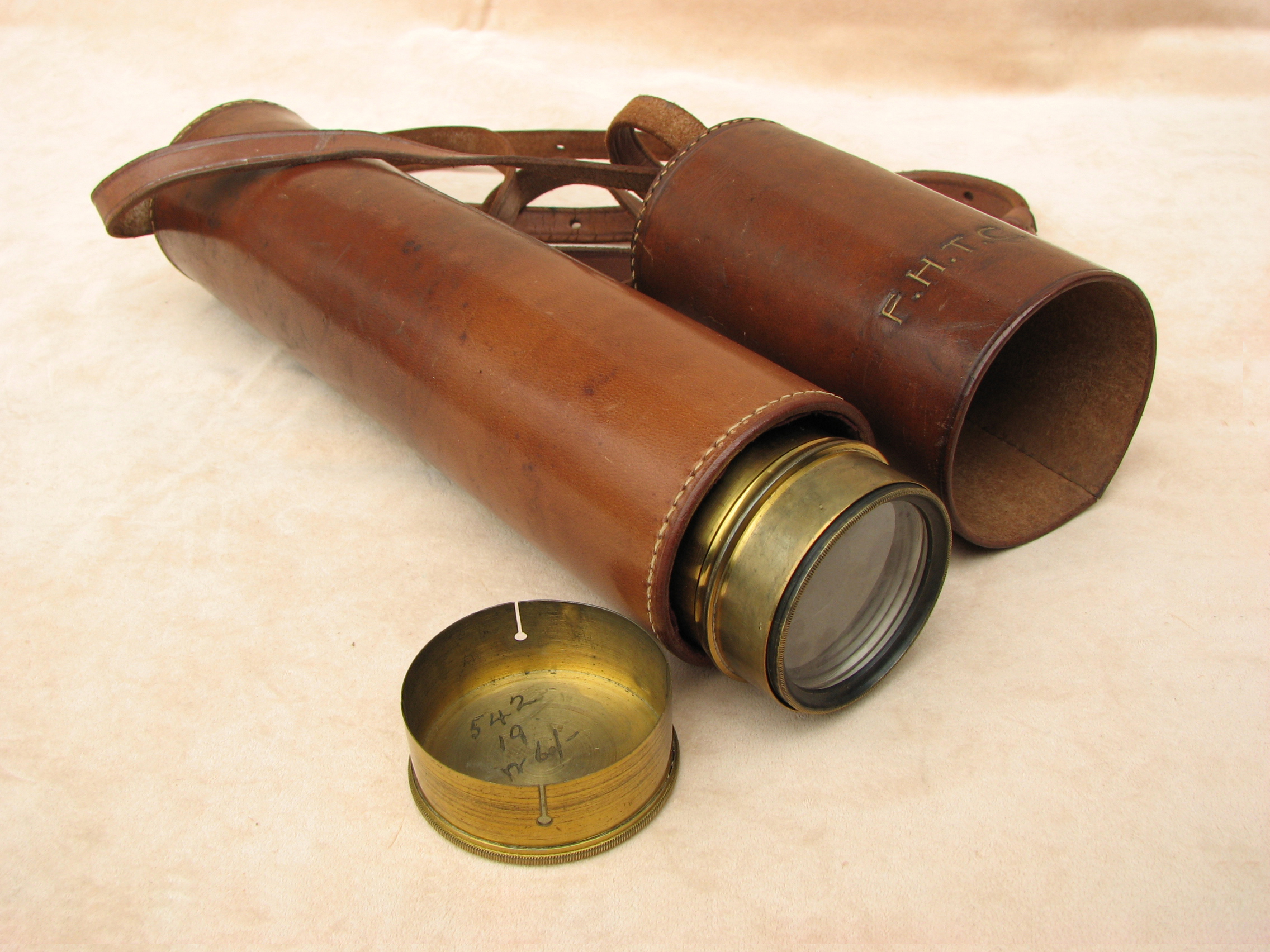 3 draw marine telescope with original leather case