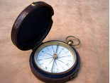 Georgian brass pocket compass with porcelain dial