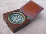 Early 19th century mahogany cased pocket compass
