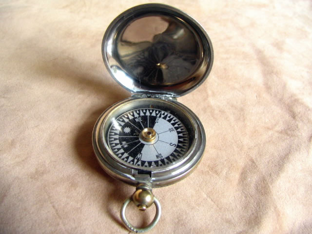 1916 MK V pocket compass by Cruchon & Emons